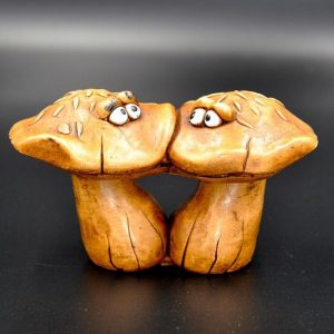 ecailleux-champignons-amoureux-figurines-humoristiques